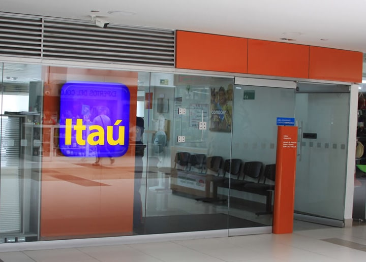 itaú centro comercial portoalegre